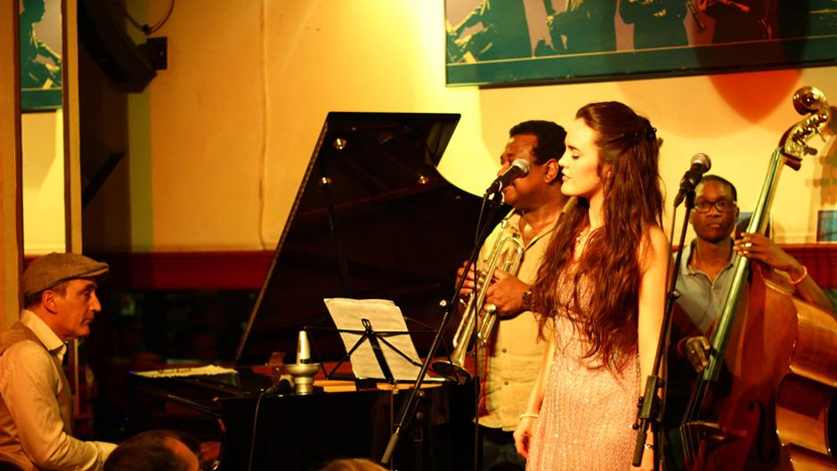 jazz-actividades-manhattan-bilbao-jazz-zubia-en-el-cafe-central-004