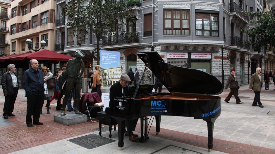 jazzculturalbilbao_bilbao-se-llena-de-pianos04_600x400